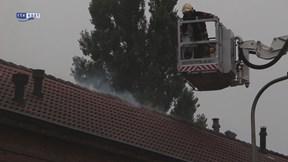 Brand op zolder geblust van woning in de Weegschaalstraat in Enschede