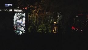 Brandweer blust machinebrand bij bedrijf in Losser