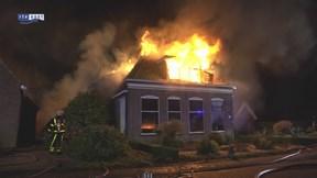 Grote brand verwoest woonboerderij in Zuidveen