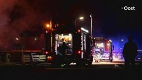 Uitslaande brand in twee-onder-één-kap-woning in Vroomshoop
