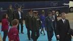 De hoogwaardigheidsbekleders en leden van de Koninklijke Familie arriveren in Holten
