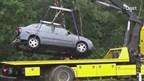 Auto slipt tussen Holten en Markelo