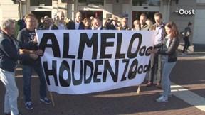 Medewerkers rechtbank Almelo protesteren in Zwolle bij Raad voor de Rechtspraak