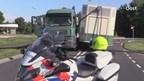 Trailer glijdt van truck op N740 bij Delden