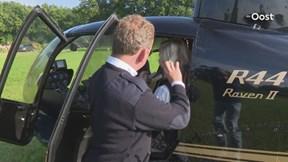 Videoreportage jubilerende kapper trakteert klanten op helicoptervlucht