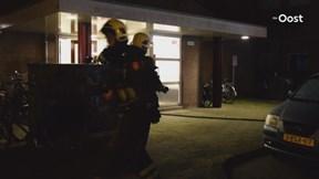 Bewoners flat Hengelo tijdelijk huis uit door brand