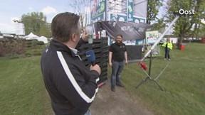 Verslaggever Remco van 't Zelfde op bezoek bij Re-Pete op het festivalterrein in Zwolle