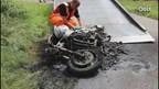 Motor brandt volledig uit in Ambt Delden