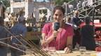 Thea van Dartel geniet van haar rol als oogstkoningin