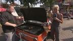 Martijn Heupink bakt in de kofferbak van een oude BMW