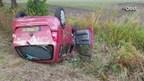 Auto over de kop na botsing in Markelo