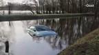 Sportauto uit het water gehaald