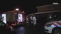 Autobrand in Enschede; politie onderzoekt of het is aangestoken