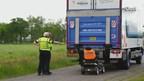 Scootmobiel aangereden door vrachtwagen