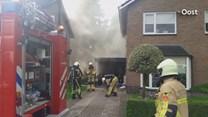 Hevige rookontwikkeling na brand in schuur Hengevelde