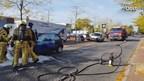 De auto vatte vlam aan de Herman Heijmansstraat in Goor