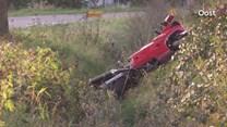 Motorrijder rijdt de sloot in bij Holten