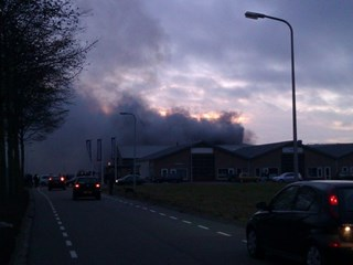 Zeer grote brand Steenwijk. Foto: @Miessie