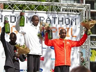 Podium Enschede Marathon. Foto: Jori Meenhuis