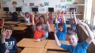 Kinderen uit Ommerkanaal steunen Koningslied