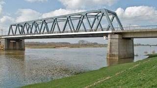 Spoorbrug bij Deventer