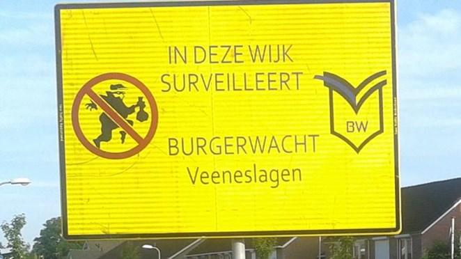 Wijkagent Rijssen gaat in gesprek met burgerwacht Veeneslagen