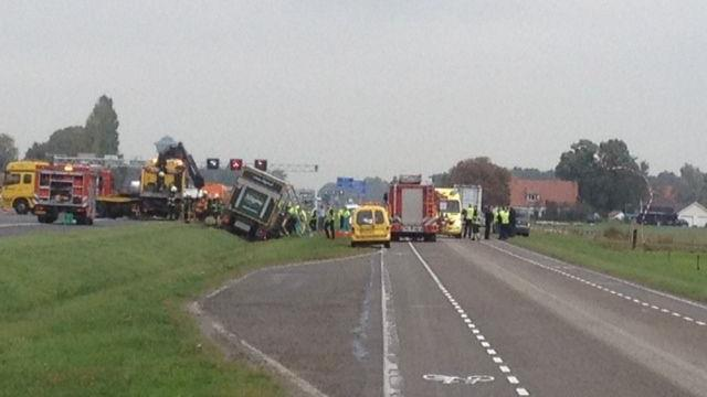 Ernstig ongeluk met auto en vrachtwagen op A28 bij Zwolle