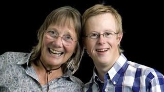 David de (foto)Graaf en zijn moeder Marian.