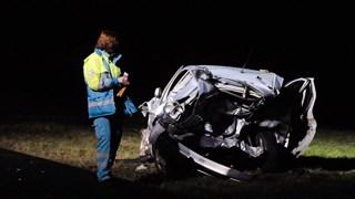 Bij het ongeluk kwam een vrouw om het leven