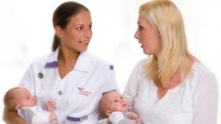 Kraamverzorgenden Naviva leren babytaal