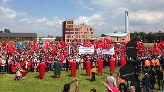 Protest tegen genocide-monument