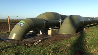Verontreinigd afvalwater wordt de Twentse bodem in gepompt