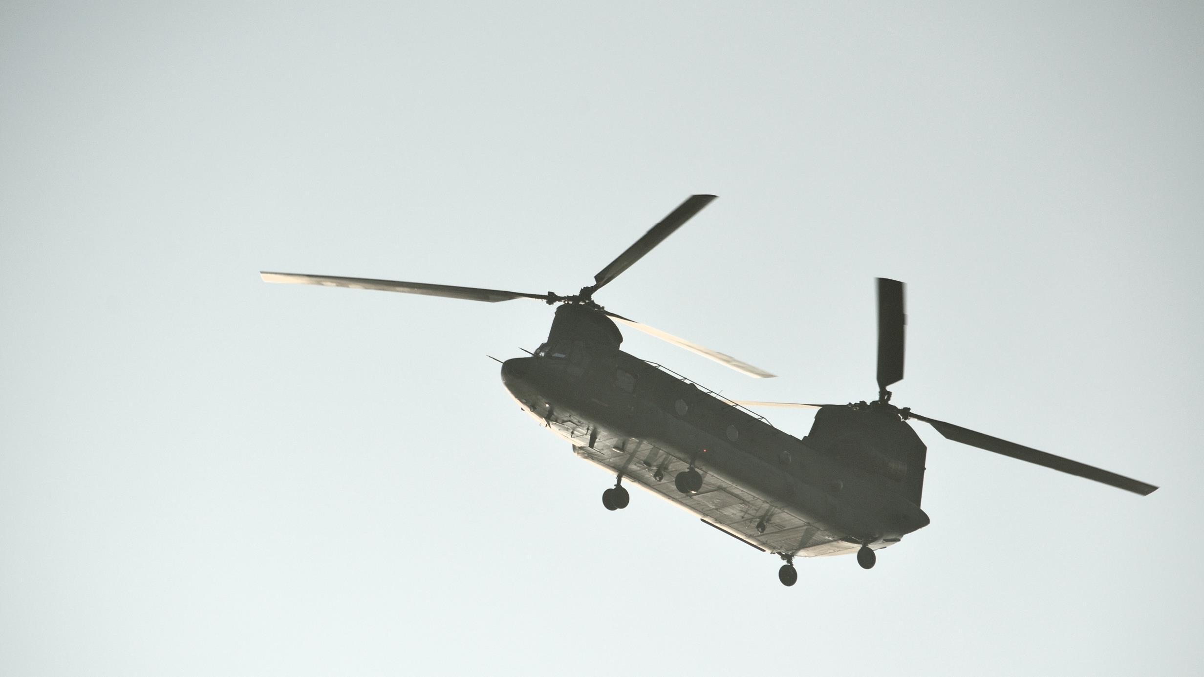 Chinooks boven twente vanwege militaire oefening