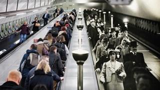 Al 300 'tijdreizigers' voor opnames film in nieuwe stationshal Zwolle