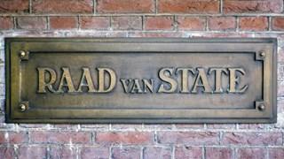 Buren autohandelaar Staphorst klagen over dwangsom