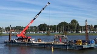 Punter wordt uit IJssel gehesen