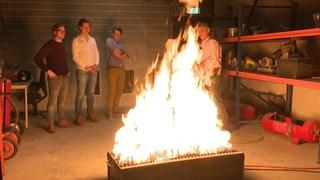 Tijdens een oefening ontdekken de studenten dat het binnen 40 seconden te heet wordt in een ruimte