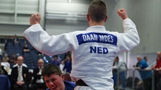 Daan Moes uit Almelo NK Kampioen judo onder de 18