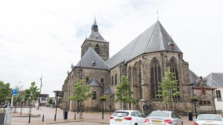 De katholieke Sint Plechelmusbasiliek in Oldenzaal