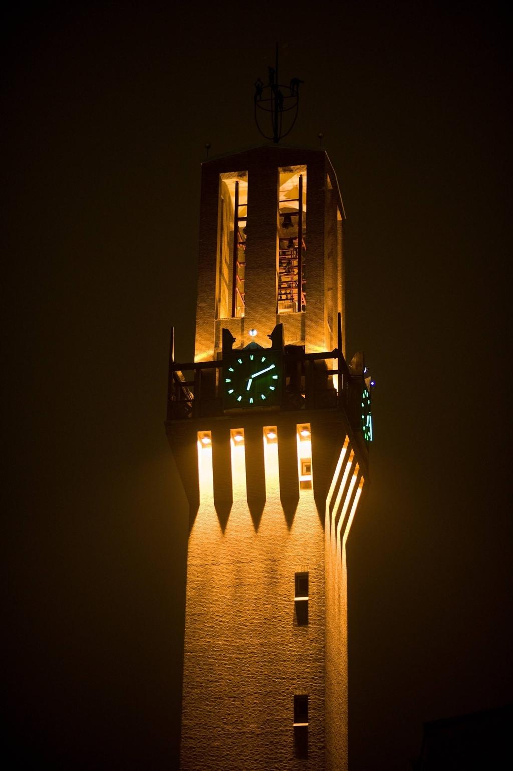 Zuinige verlichting stadhuistoren Hengelo