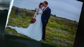Claudia en Jacko van Dijk stapten 28 oktober in het huwelijksbootje.