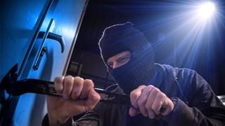 Inbreker verstopt zich in kast in Zwolle