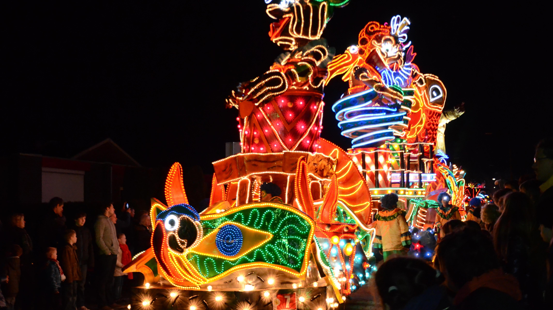 Twentse Verlichte Carnavalsoptocht live bij RTV Oost
