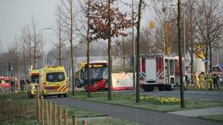 Persoon overleden bij ongeluk met lijnbus en auto's in Rijssen