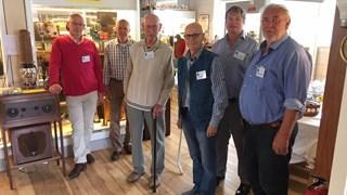 De vrijwilligers van het radiomuseum in Hengelo