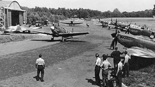 'Vliegveld Twenthe, Vervlogen Tijden' vertelt de geschiedenis van Vliegveld Twenthe