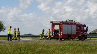 De brandweer maakt de A28 schoon