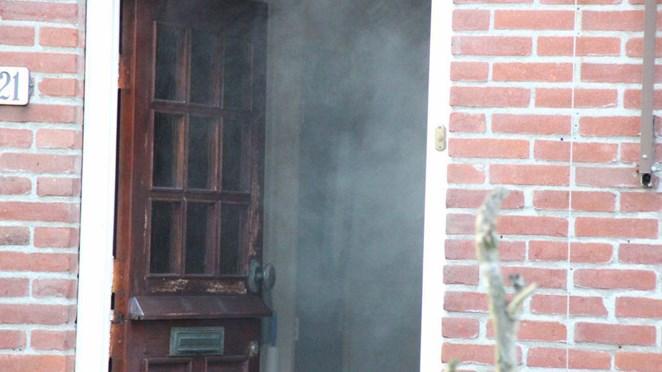 Almelose valt in slaap terwijl eieren op het vuur staan: woning vol rook