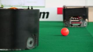 De twee Twentse robots in actie