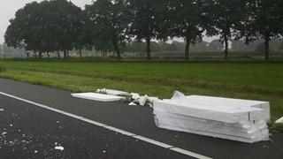 Tempexplaten en piepschuim op A28 Zwolle
